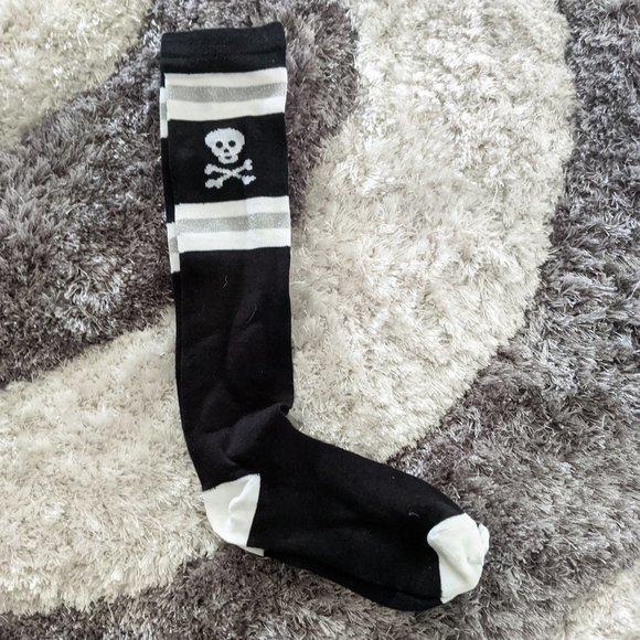 Black /& Red Long Stripe Over Knee Socks Goth Emo Punk Fancy Dress Halloween  NEW